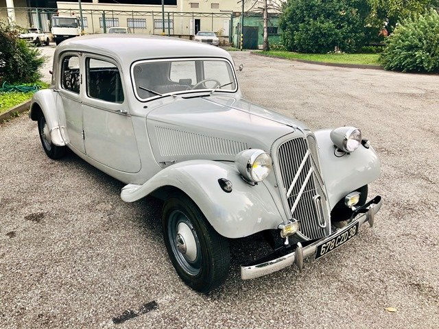 1956 Citroen - Traction Avant 11B For Sale (picture 3 of 6)