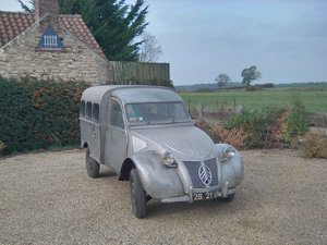 2CV Citroen   AU  Series Van   RIPPLE BONNET