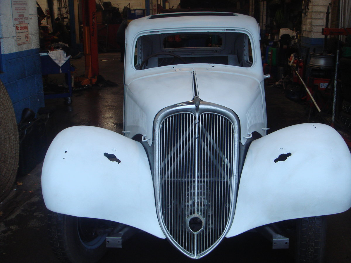 1955 Citroen Traction Light 15 RHD For Sale (picture 1 of 6)