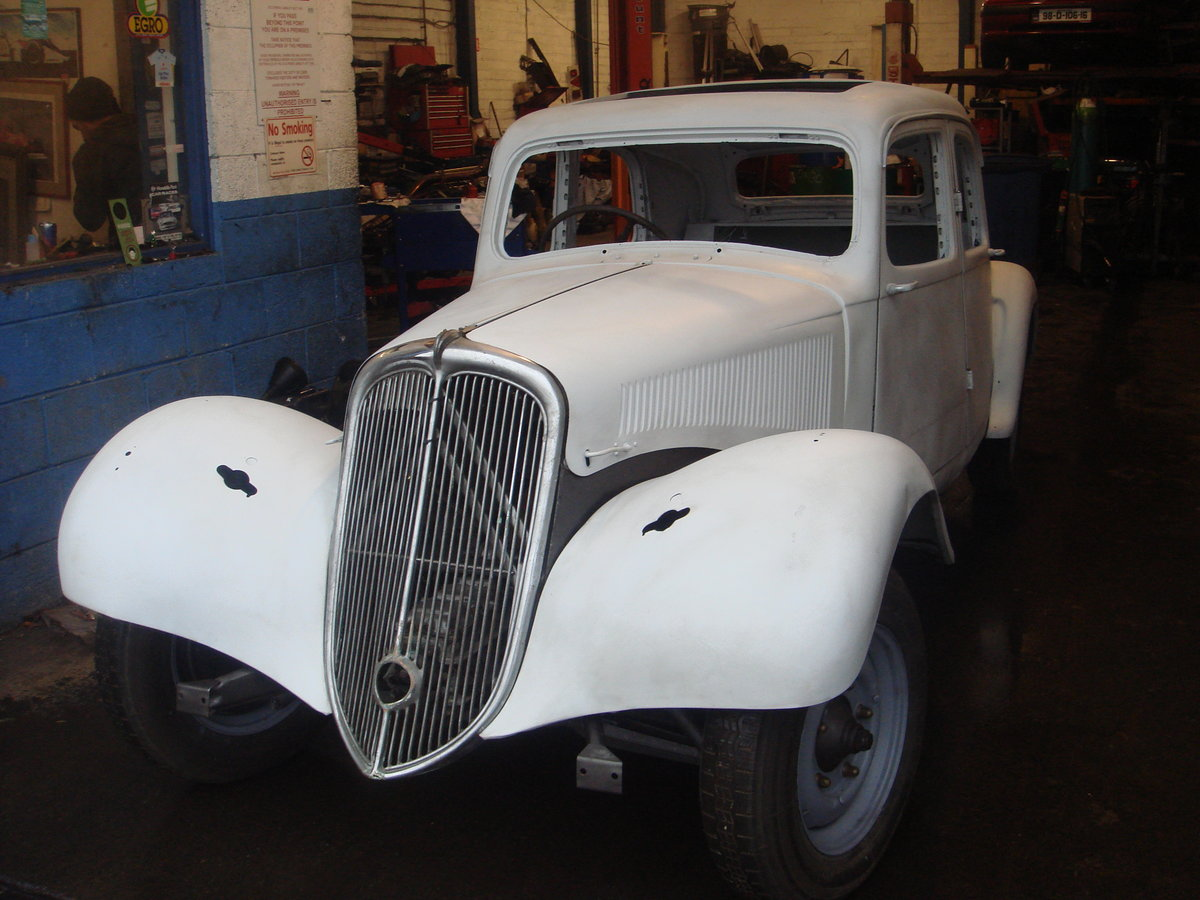 1955 Citroen Traction Light 15 RHD For Sale (picture 2 of 6)
