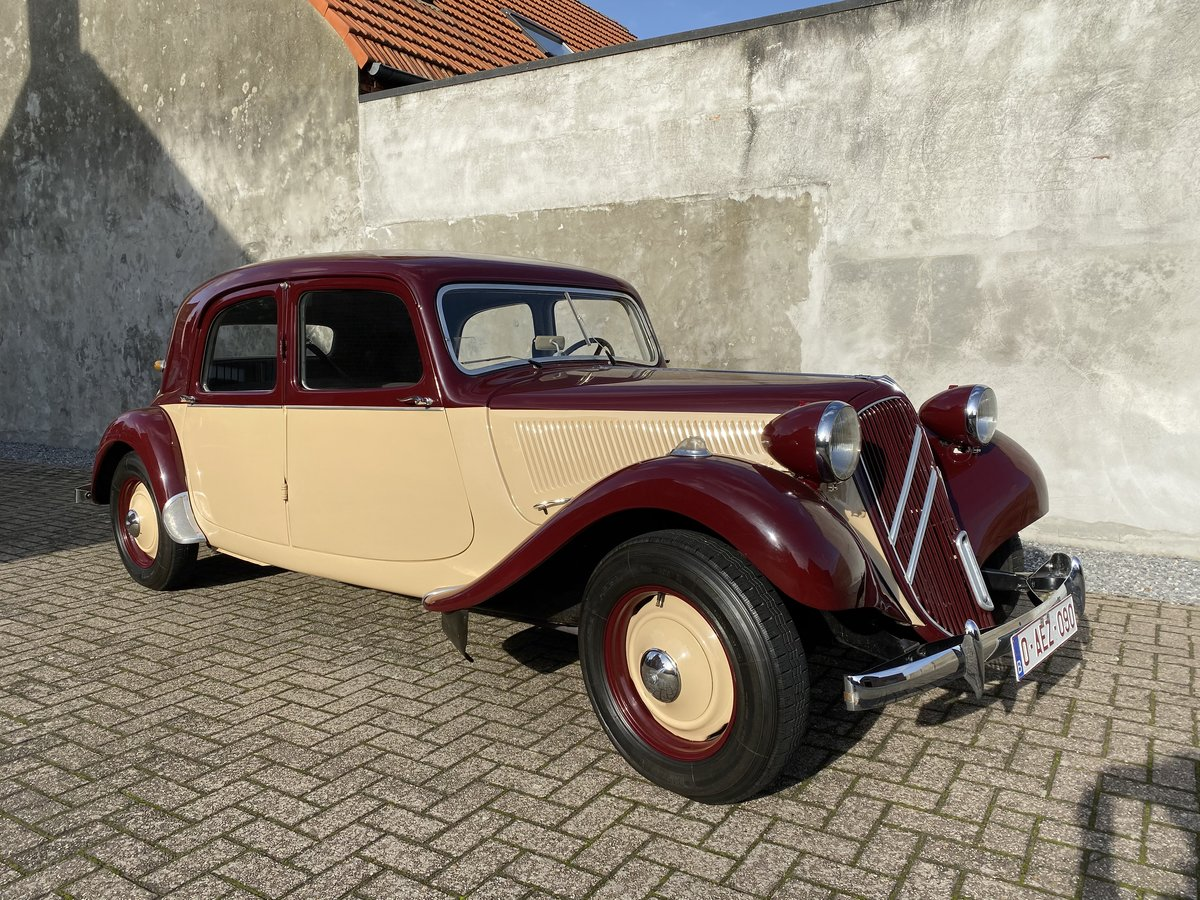 1954 Citroen traction two-tone Beautiful restored  For Sale (picture 1 of 6)