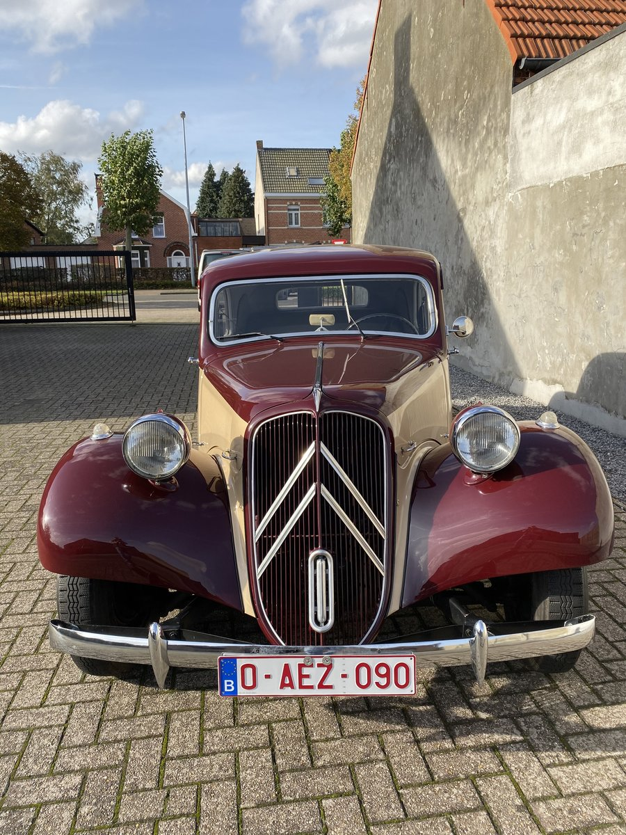 1954 Citroen traction two-tone Beautiful restored  For Sale (picture 4 of 6)
