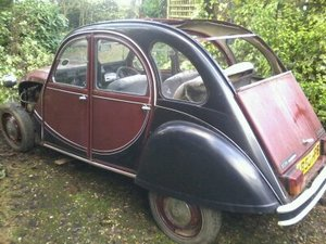 1984 Maroon/Black 2CV Charleston for restoration