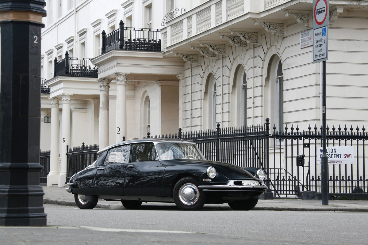 1959 Citroen DS19 Prestige Saloon by Chapron For Sale (picture 1 of 6)