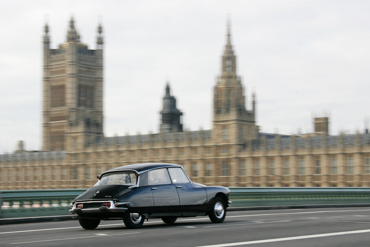 1959 Citroen DS19 Prestige Saloon by Chapron For Sale (picture 6 of 6)