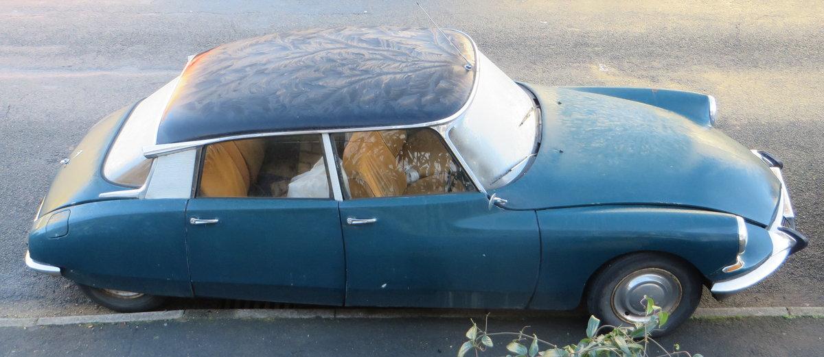 1966 Citroen DS19 vg body & mechanics, fire damage SOLD (picture 1 of 6)