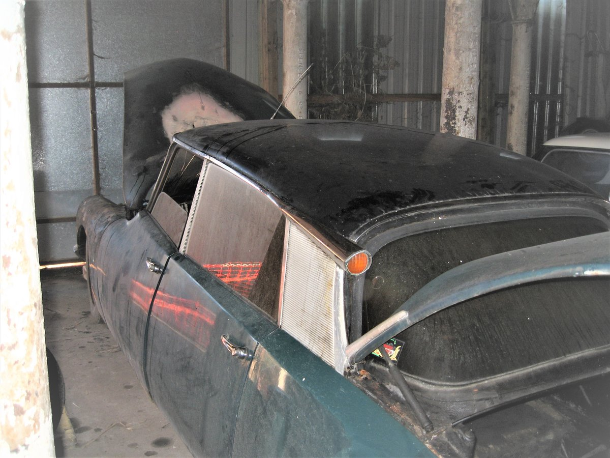 1966 Citroen DS19 vg body & mechanics, fire damage SOLD (picture 4 of 6)