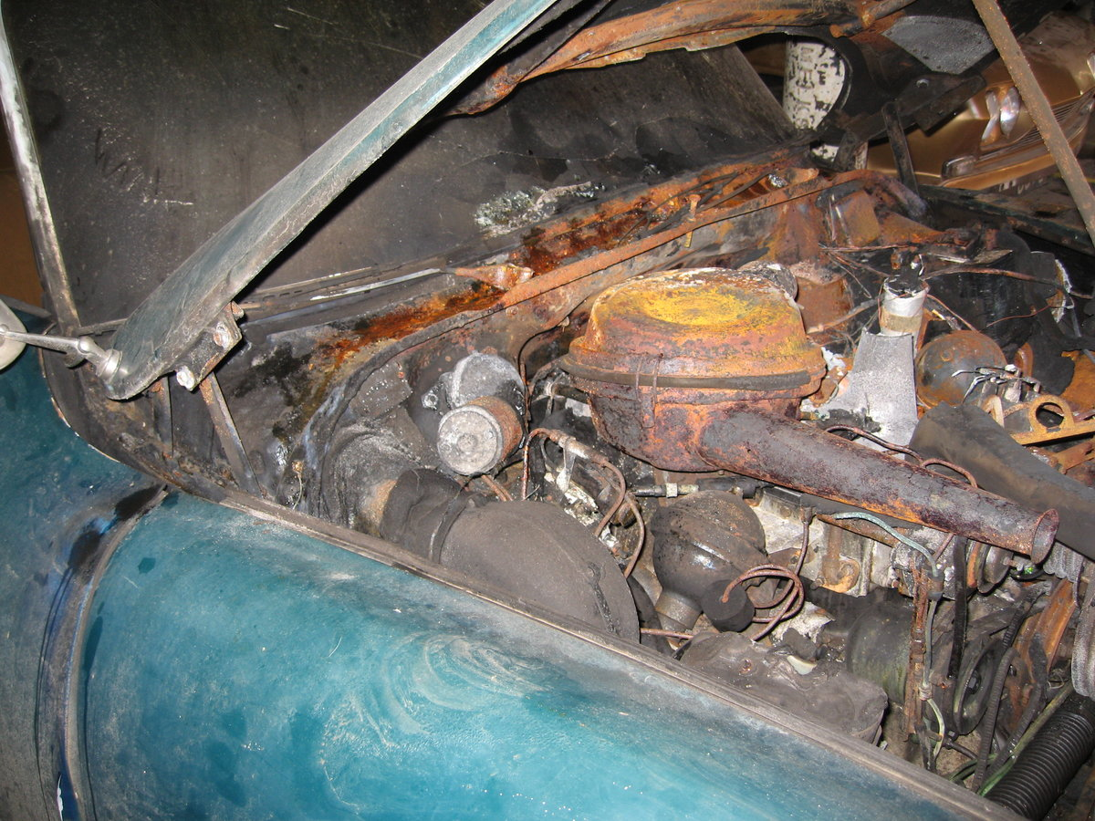1966 Citroen DS19 vg body & mechanics, fire damage SOLD (picture 5 of 6)