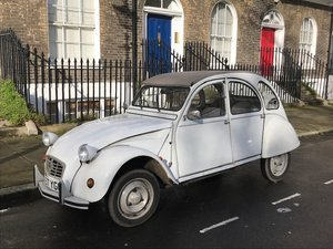 2 CV6 Very cute car in great condition