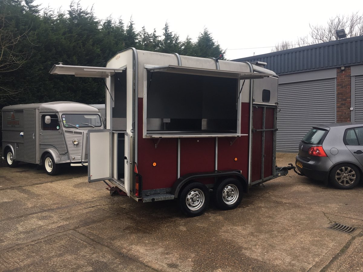 NEWLY BUILT Catering trailer - FULLY FITTED OUT For Sale (picture 2 of 6)