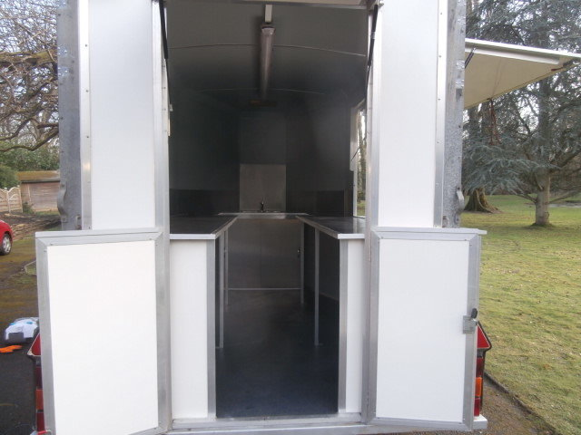 NEWLY BUILT Catering trailer - FULLY FITTED OUT For Sale (picture 6 of 6)
