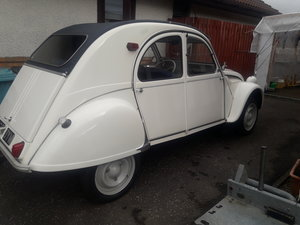 Restored white AZ 2CV LHD 425cc with traficlutch