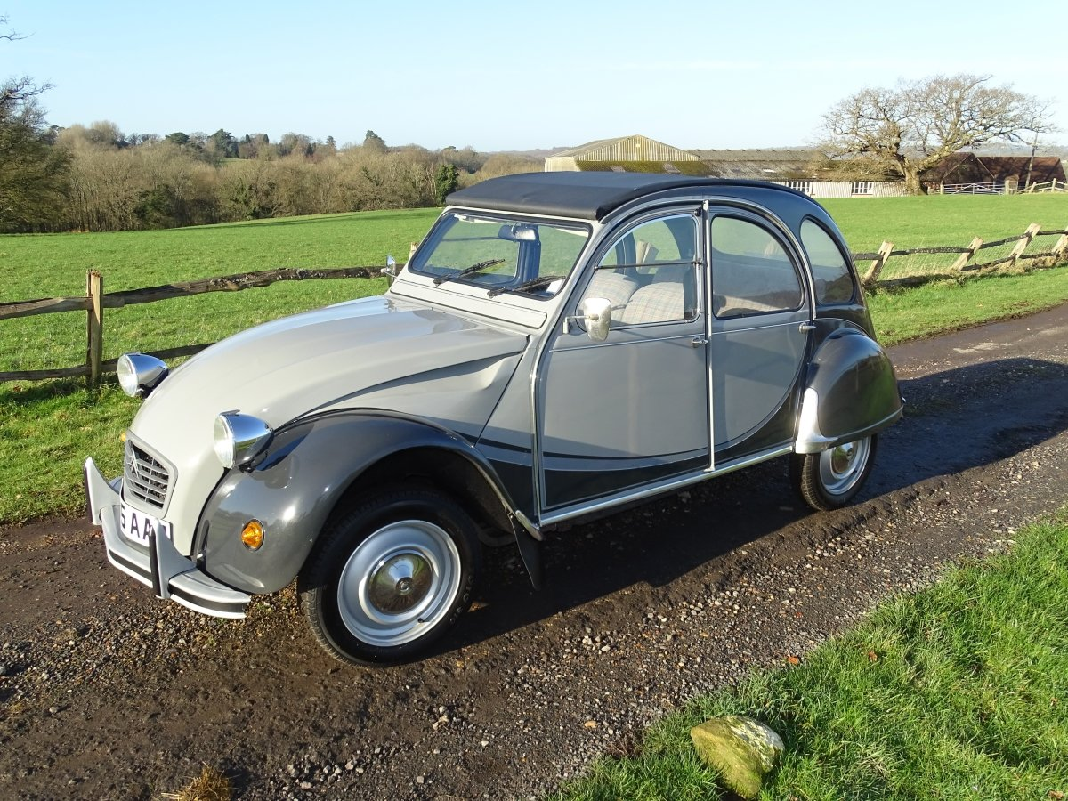 1984 Original Citroen 2CV Charleston in outstanding condition. SOLD (picture 2 of 6)