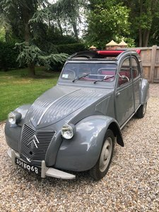 Picture of 2cv 1959 ripple bonnet suicide doors exberlin expo