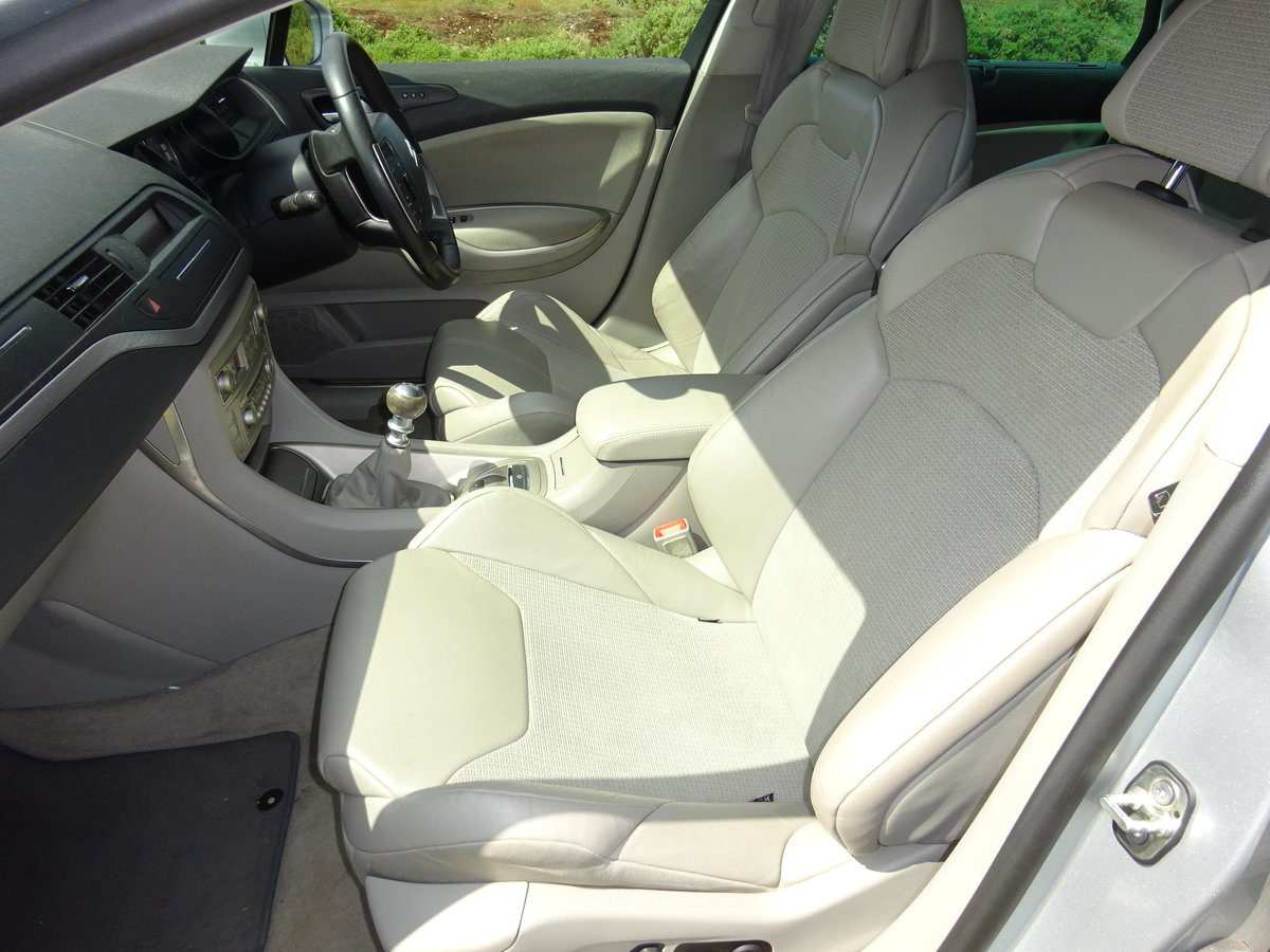 2010 CITROEN C5 2.0HDi ( 160bhp ) EXCLUSIVE, HALF LEATHER, 6 SPD For Sale (picture 4 of 6)