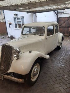 Picture of 1949 citroen traction avant