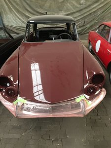 Complete restored Citroen DS 19