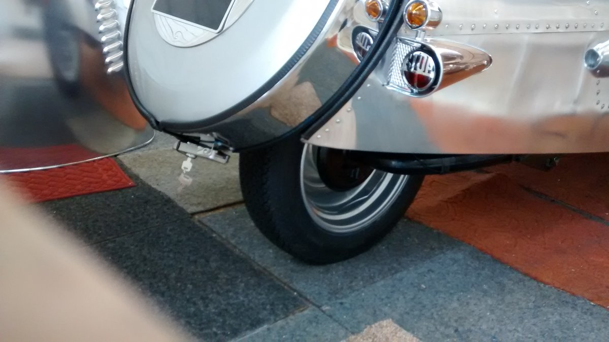 2015 Moto Guzzi Pembleton 3 wheeler SOLD (picture 4 of 6)
