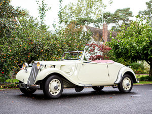 Picture of  1939 CITROEN 'LIGHT FIFTEEN' ROADSTER WITH DICKEY