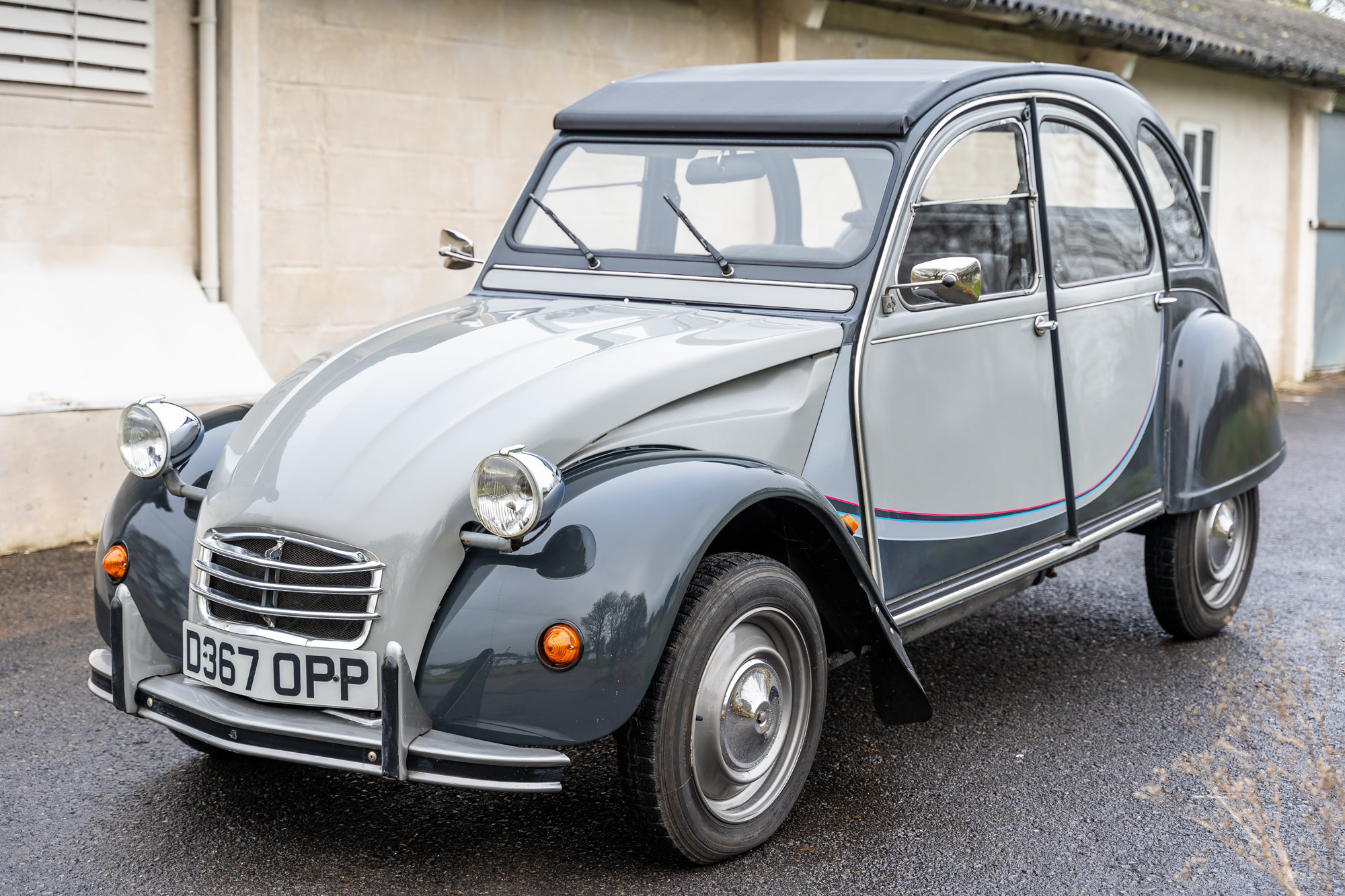 Citroen 2cv Grey and grey Charlston. SOLD
