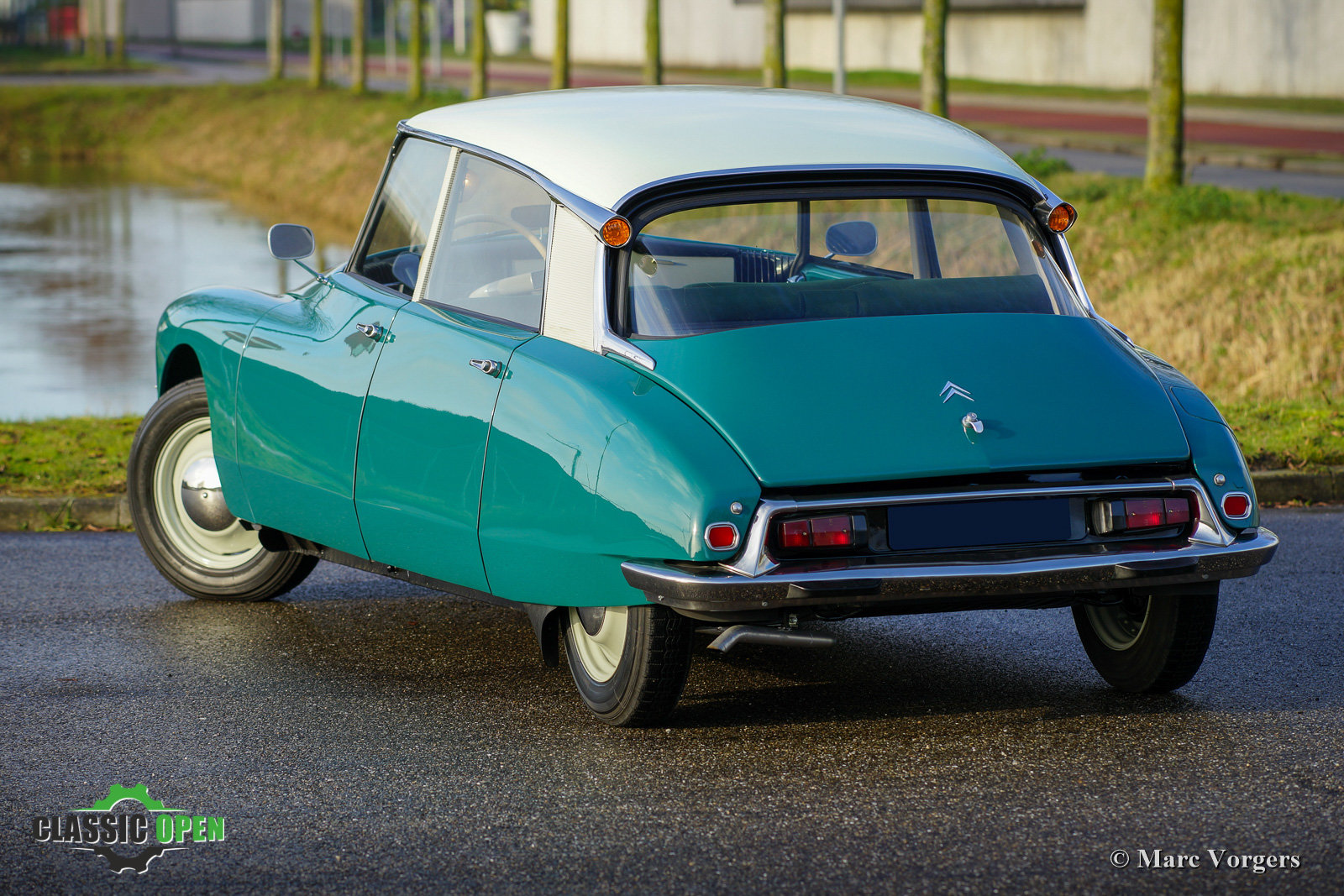 1964 Excellent Citroen ID 19P (LHD) For Sale (picture 11 of 12)