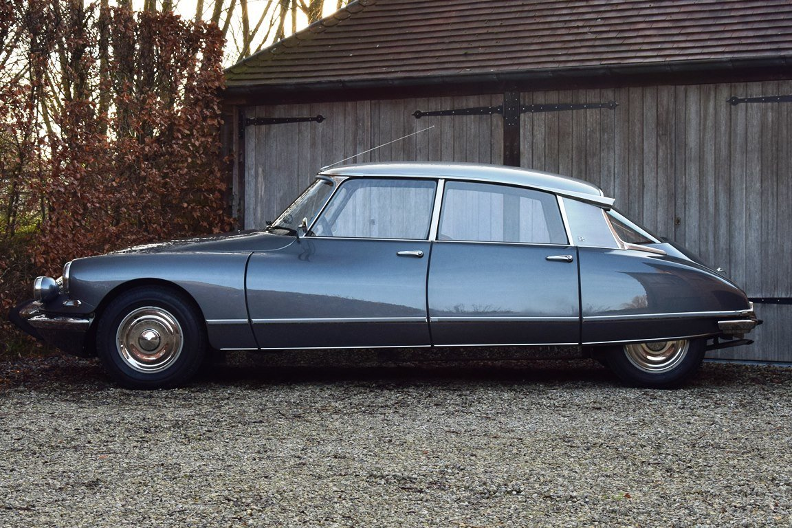 1965 Completely restored Citroën DS21 Pallas with Jaeger dash For Sale (picture 2 of 12)