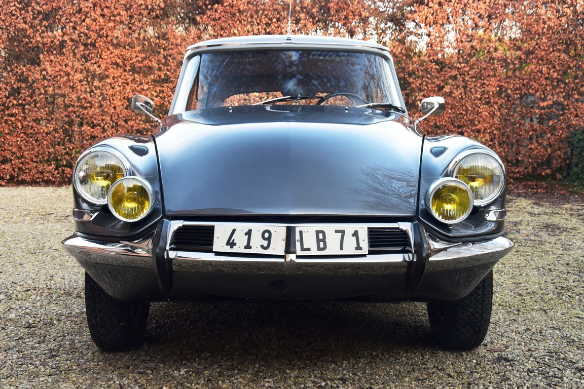 1965 Completely restored Citroën DS21 Pallas with Jaeger dash For Sale (picture 4 of 12)