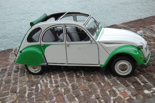 1989 Citroen 2CV Dolly for hire from £120 per day For Hire (picture 1 of 6)