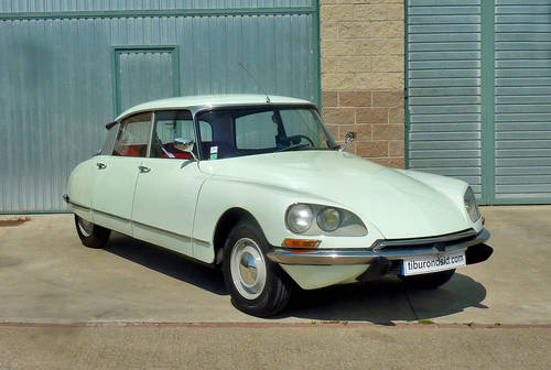 1967 Citroën DS 19b For Sale (picture 1 of 6)
