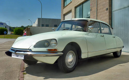 1967 Citroën DS 19b For Sale (picture 3 of 6)