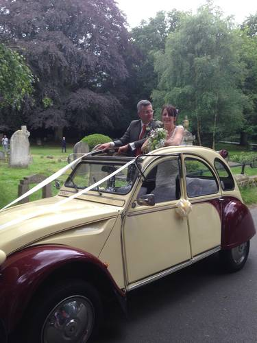 Citroen 2CV Wedding Hire including Chauffeur For Hire (picture 1 of 2)