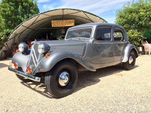 Citroen Traction 11 1953 restored for sale by auction SOLD by Auction (picture 1 of 6)