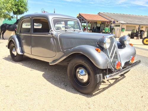 Citroen Traction 11 1953 restored for sale by auction SOLD by Auction (picture 2 of 6)