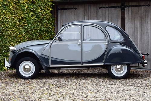1984 Citroën 2CV6 Charleston in immaculate original condition. SOLD (picture 2 of 6)