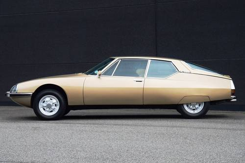 1971 Fantastic Citroën SM in the best colour combination. SOLD (picture 2 of 6)