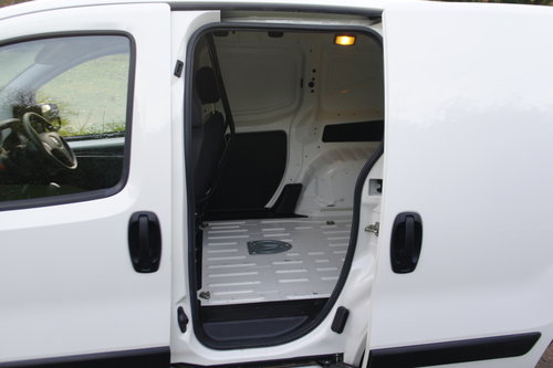 2015 Citroen Nemo 660 Enterprise HDi Van.. 1 Lady Owner.. FSH..  SOLD (picture 4 of 6)