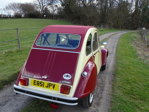 Absolutely delightful 1988 Citroen 2CV6 Plums and Custard SOLD (picture 3 of 6)