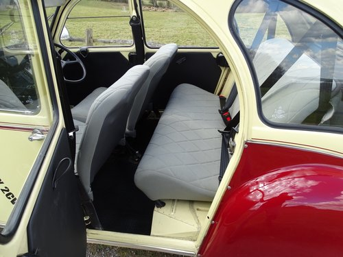 Absolutely delightful 1988 Citroen 2CV6 Plums and Custard SOLD (picture 5 of 6)