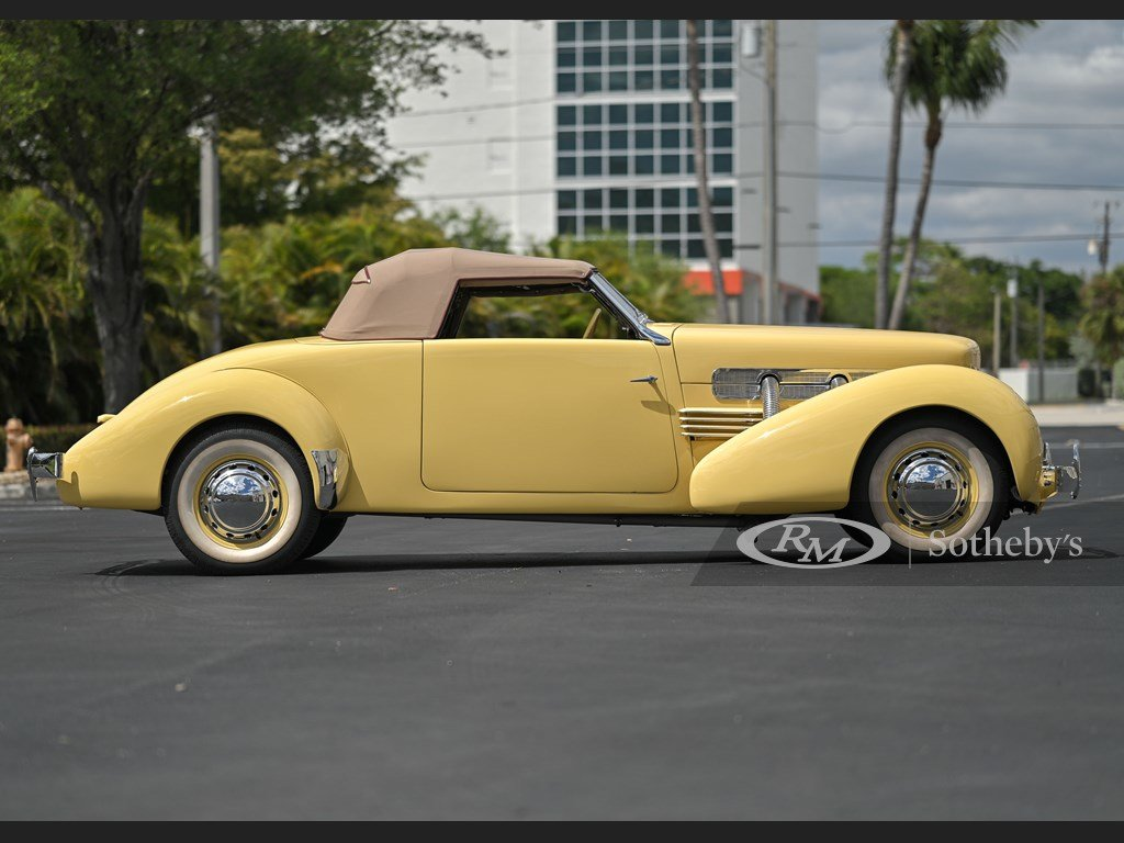 1937 Cord 812 Supercharged Cabriolet  For Sale by Auction (picture 6 of 12)