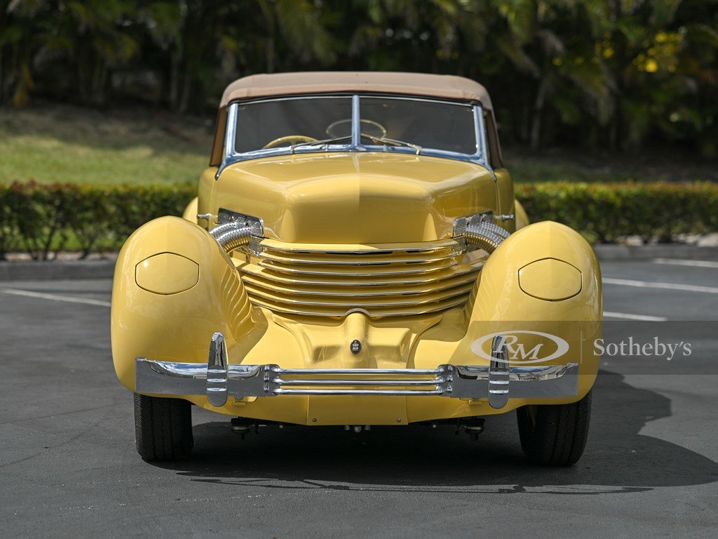 1937 Cord 812 Supercharged Cabriolet  For Sale by Auction (picture 8 of 12)
