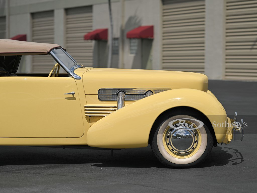 1937 Cord 812 Supercharged Cabriolet  For Sale by Auction (picture 12 of 12)