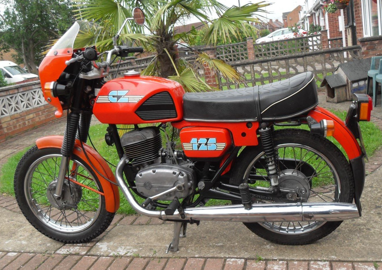 1989 CZ  125CC. Model ( 488 )  ( SALE AGREED ) SOLD (picture 1 of 6)