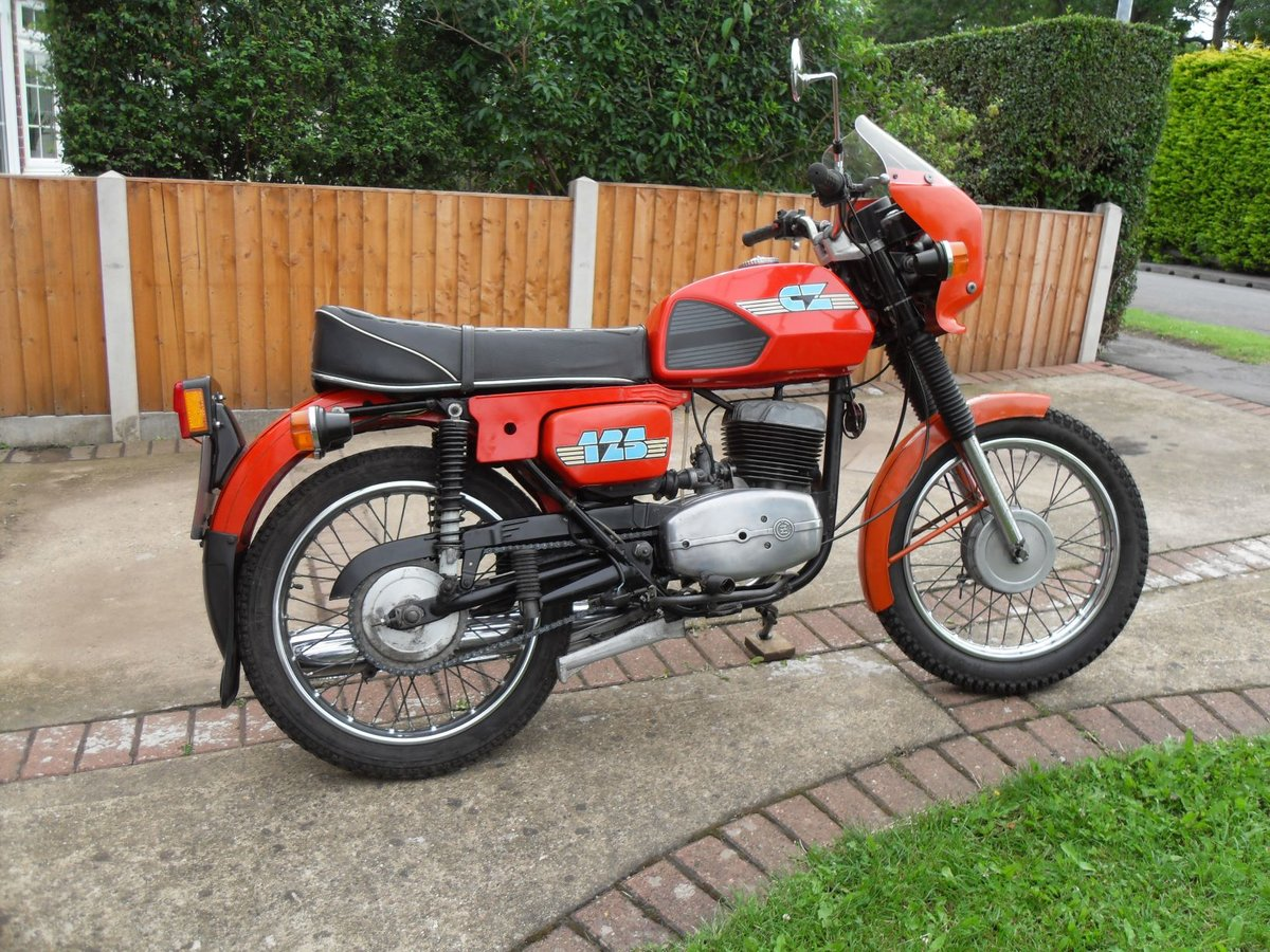 1989 CZ  125CC. Model ( 488 )  ( SALE AGREED ) SOLD (picture 2 of 6)