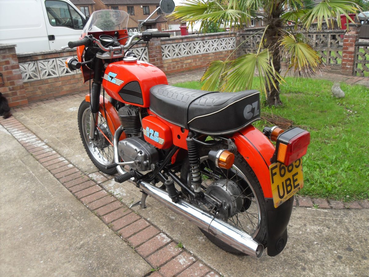 1989 CZ  125CC. Model ( 488 )  ( SALE AGREED ) SOLD (picture 4 of 6)