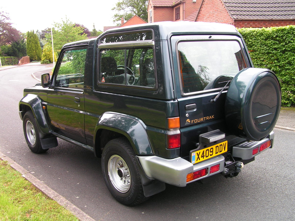 2000 SOLD. Daihatsu Fourtrak TDL Limited 3 Owners SOLD (picture 2 of 6)