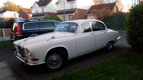 1968 daimler sovereign 4.2 auto For Sale (picture 2 of 6)