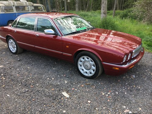 Daimler Super V8 57k 2001 Model year - Perfect! For Sale (picture 1 of 6)