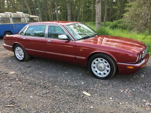 Daimler Super V8 57k 2001 Model year - Perfect! For Sale (picture 3 of 6)