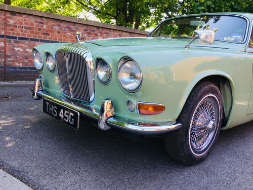 1968 DAIMLER 420 SOVEREIGN - WILLOW GREEN - RESTORED CAR SOLD (picture 4 of 6)