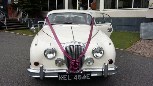 Classic Daimler Wedding Car (1967) Lincolnshire For Hire (picture 2 of 6)